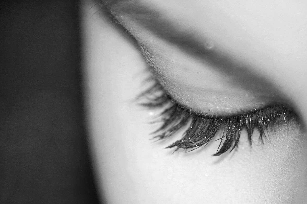 eyelash extensions will seriously change your life