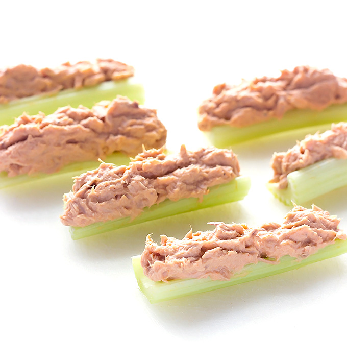 buffalo-tuna-salad-stuffed-celery-1