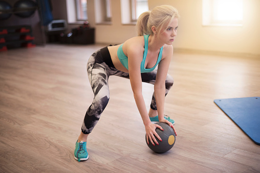 A simple home workout to burn off those extra Christmas calories