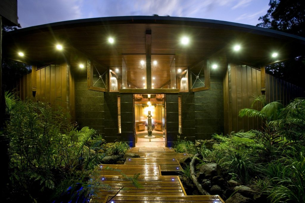 The tropical Asian inspired day spa of Gwinganna.
