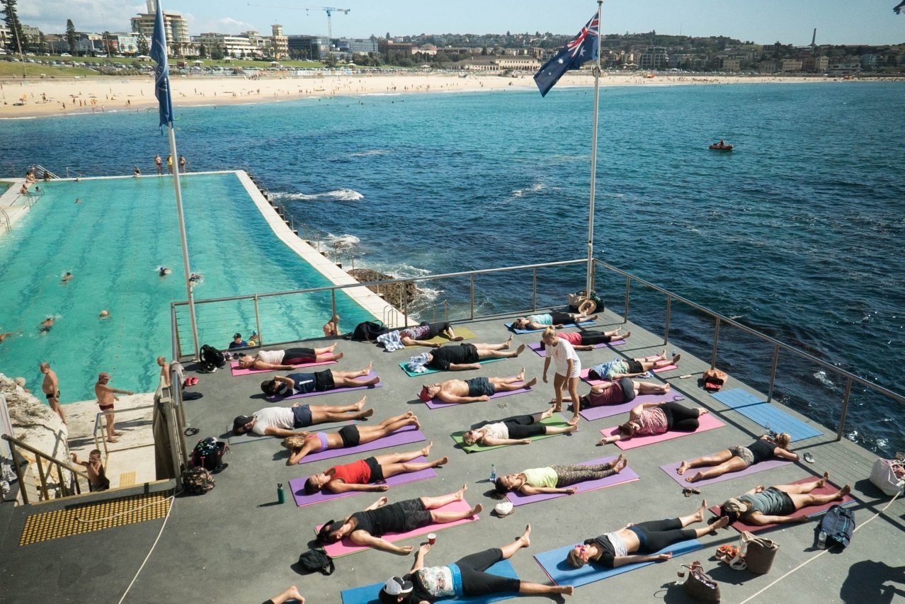 Image of yoga students at Bondi Iebergs