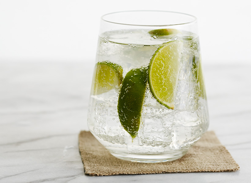 Vodka soda with lime
